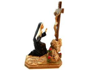 Santa Rita in ginocchio