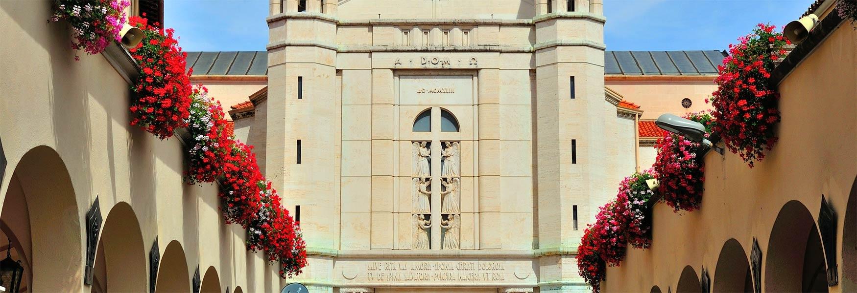 Basilica di santa rita da cascia souvenir cascia for Basilica di santa rita da cascia
