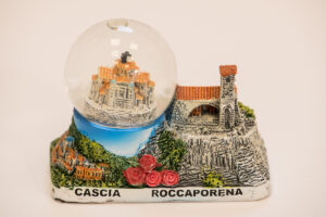 Palla di neve in vetro e ceramica